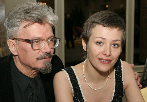 E. Limónov junto a una de sus varias esposas, Ekaterina Volkova.