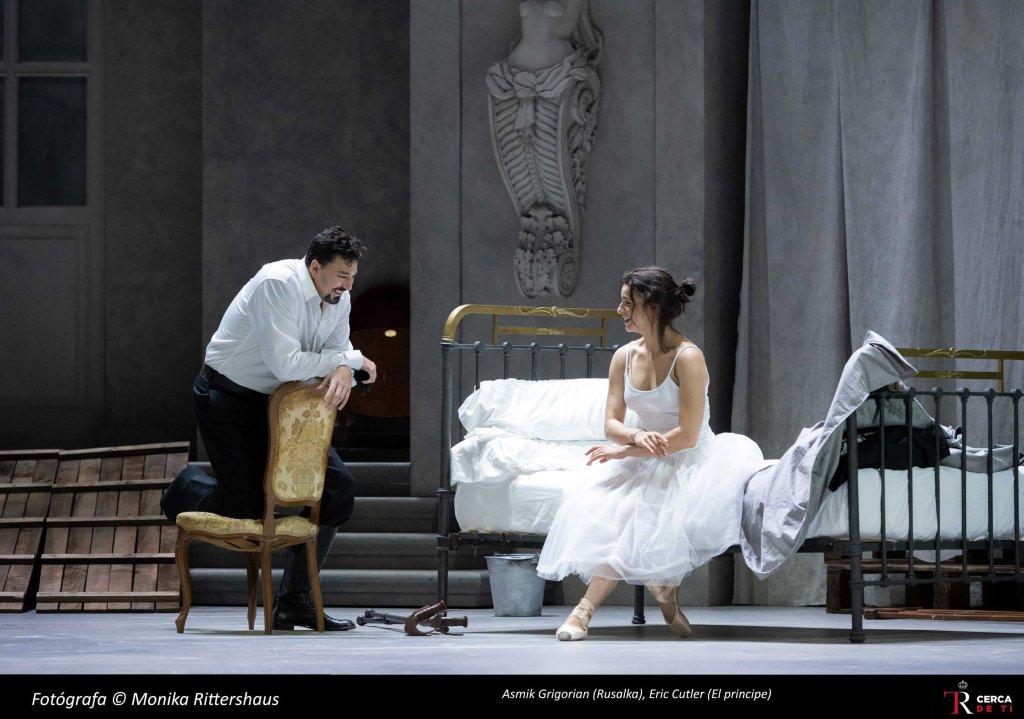 Eric Cutler (El príncipe) y Asmik Grigorian (Rusalka)